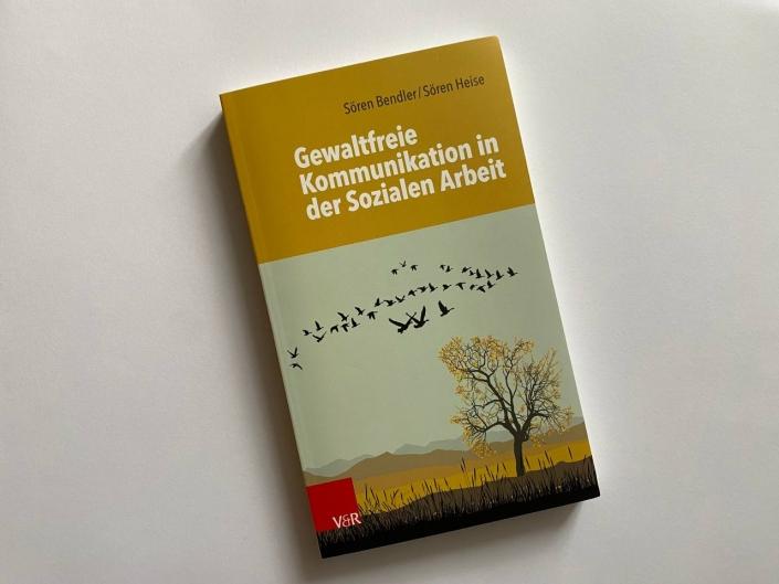 """echtjetzt! Trainer:innen Kollektiv: Ich spende für die Tombola 2 Bücher """"Gewaltfreie Kommunikation in der Sozialen Arbeit"""""""