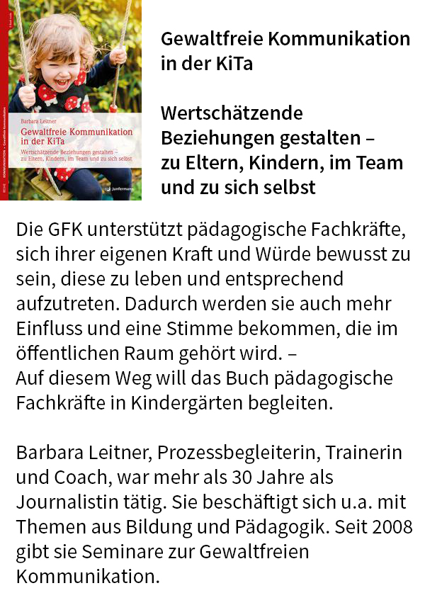 """Barbara Leitner: Ich lege mein Buch """"GFK in der KiTa"""" in den Lostopf."""